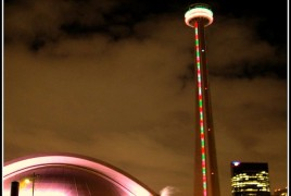 CN-Tower-Christmas-2007