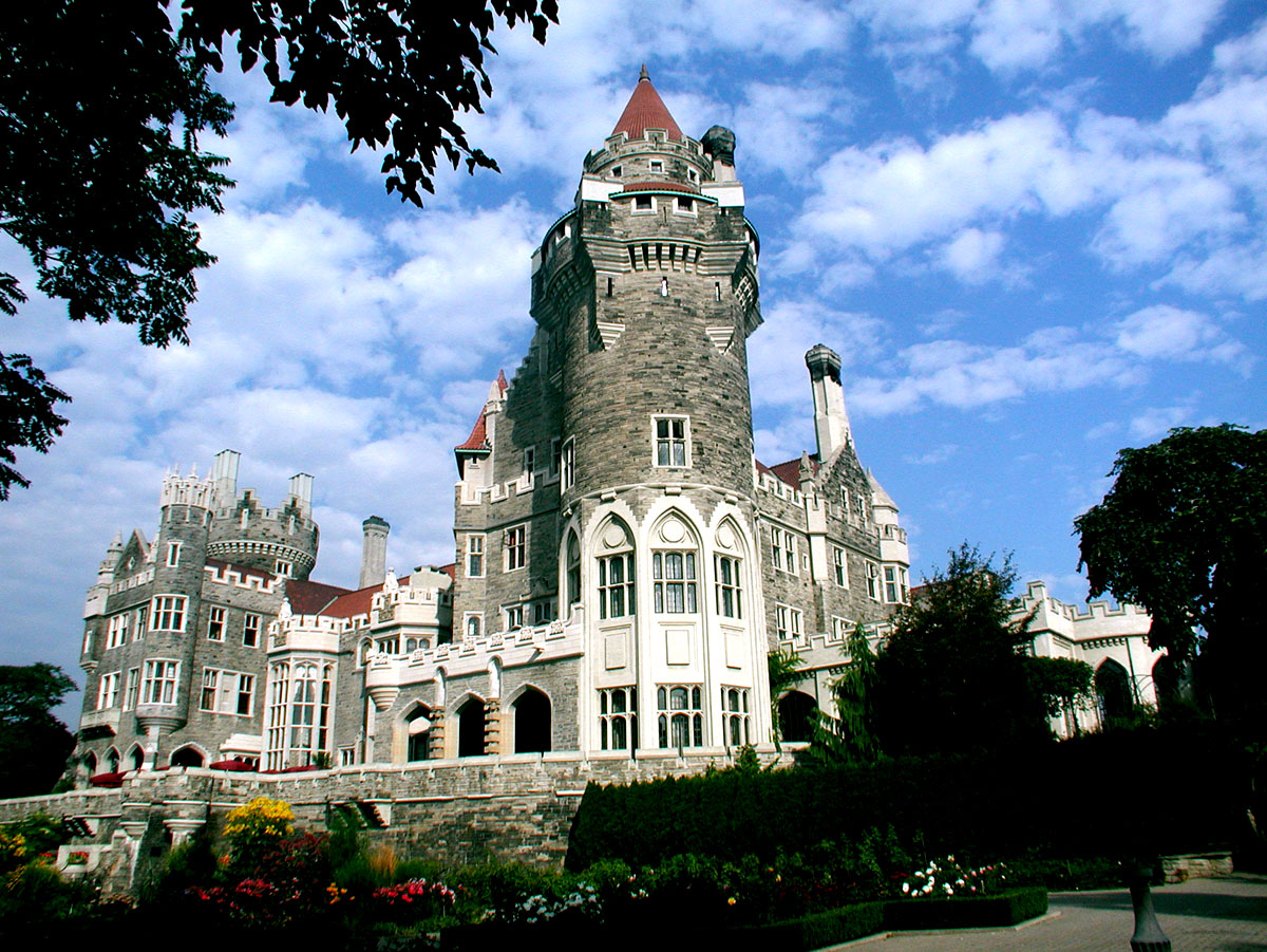 Casa loma toronto lights tripsetter inc for Casa loma mansion toronto