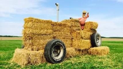Amish Straw Sculpture Tour
